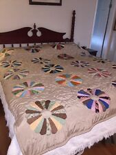 Beautiful Vintage Dresden Plate Quilt