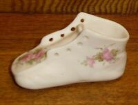 Small Hand Painted Floral Ceramic / Pottery Shoe Match Holder - 3 1/4""