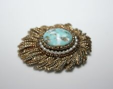 LOVELY VINTAGE FAUX TURQUOISE & PEARL GOLD PLATED BROOCH
