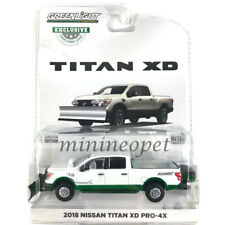 GREENLIGHT 30021 2018 NISSAN TITAN XD PRO-4X PICK UP 1/64 with SNOW PLOW Chase