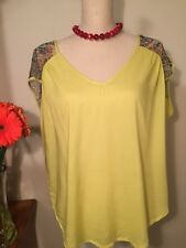 Woman Top With Snake Details L