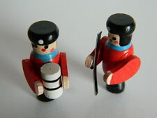 (M1.25) DOLLS HOUSE TWO WOODEN TOY SOLDIERS