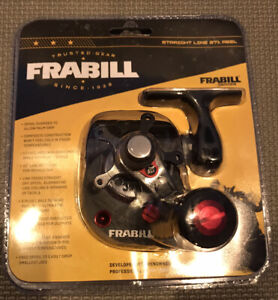 Frabill Straight Line 371 Ice Fishing Reel in Clamshell Pack Black