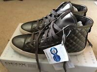 Geox D N.Club Quilted High Top Trainers, Size UK 3/ EU 36