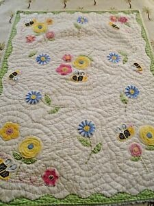 Pottery Barn Hand Quilted Applique Bees & Flowers Quilt 36x48 crib Baby #394