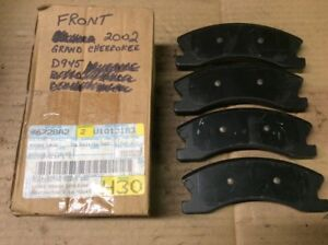 New Factory OEM Mopar Disc Brake Pad Pads Front V1013183