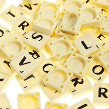 100 Scrabble Ersatzteile Buchstaben & Zahlen Brettspiel Scrabble Steine PLASTIK