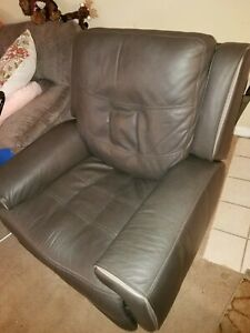 Flexsteel power recliner chair leather