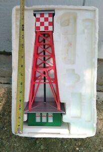 Lionel  7975  Beacon Tower   North Pole    Airport  Model Trains