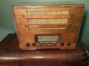 Vintage Farnsworth AM/SW Tube Radio Model ATL-50 for Parts or Restoration