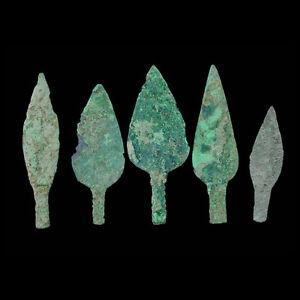 Set of five Bactrian copper arrowheads. e8222