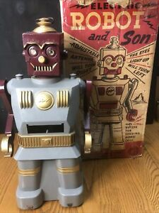 Vintage 1950s Marx Robot and Son Battery Original Box
