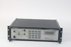 Noisecom UFX 7109 Programmable Bruit Générateur W/ Opts. 2, 3, 6, 7, 8, 13-as