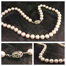 Einreihiges Perlencollier Akoya Perlenkette  585er Weißgold Olive Diamanten 47cm