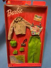 Barbie Fashion Avenue 25701 NRFB 2002 Lime Skirt Top Jacket Bag Shoes Camera Map