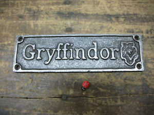 Gryffindor harry potter - ROOM DOOR SIGN ~ CAST IRON  plaque