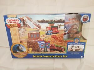 Thomas The Tank & Friends DUSTIN COMES IN FIRST SET WOODEN PLAYSET NEW BOX WOOD