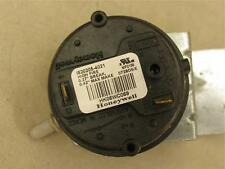 Carrier Bryant Honeywell HK06WC069 Furnace Air Pressure Switch IS20205-4021