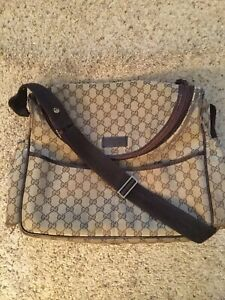 GUCCI MONOGRAM DIAPER BABY MESSENGER LAPTOP BAG PURSE, 123326