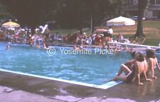 VINTAGE  SLIDE SL88 ☆  1973 PUBLIC SWIMMING POOL DIVER SWIMMERS 725A