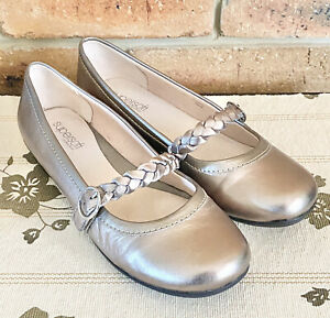 Diana Ferrari size 9 Mary Jane pewter bronze flats excellent condition