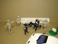 5  FIGURINES  1/43  SET 397  LE  RADAR  DE  LA  GENDARMERIE  VROOM  UNPAINTED