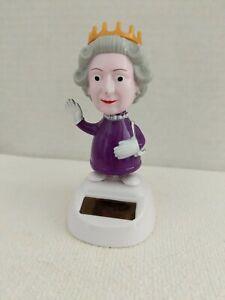 Solar Powered Dancing Queen Elizabeth