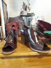 Womens burgundy Medium block Heel open toe Zip Front shoes Size 5