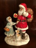 """ROYAL DOULTON HN 5733 """"A GIFT FOR SANTA"""" 2015 CHRISTMAS FIGURINE OF THE YEAR"""
