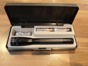 Mini Maglite Black 2 x AA LED Flashlight BNIB