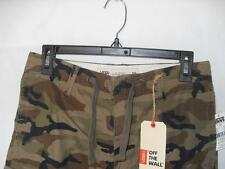 New Men's Vans Cargo Shorts - Color: Camouflage - Size: 30 - NWT $59.50