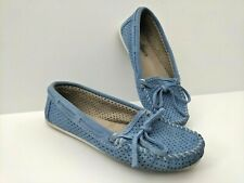 Minnetonka Women 6 Moccasin Shoes Leather Upper Blue Perforated Slip On Casual