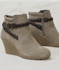 WHITE MOUNTAINE DRESSY ISABELLA WEDGE SUEDE ANKLE BOOTIES 8 1/2