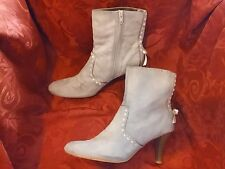 Womens PREDICTIONS Victorian style boots Faux suede Bows size 9 1/2 USED Shoes