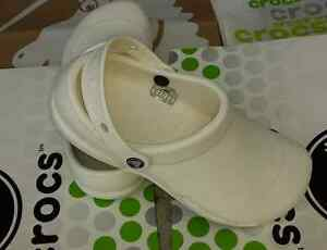 CROCS BISTRO NERIA WORK GINGER PROFESSIONAL SLIP ON SHOE~White~M 9 W 11~NEW
