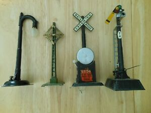 Marx train accessories - Street lamp, ringing bell and #74 signal plus Lionel 68