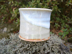 Futaoki Japan marked simple design pottery like drip white mark so nice #454