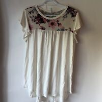 Acting Pro Women Top Large Floral Short Sleeve