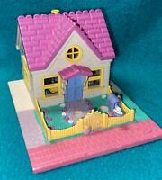 Vintage Polly Pocket Cozy Cottage House with Dolls Complete Pollyville 1993