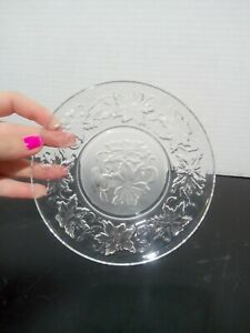 """Princess House Crystal Fantasia 8"""" Luncheon Salad Plate Clear Frosted Center"""