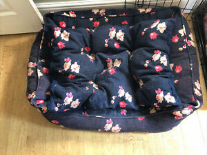 Joules Dog Bed - Navy Floral - Box Bed - Medium/ large good condition