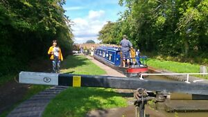 Narrowboat canal holiday 1 week for 6 people October Half term