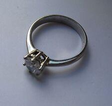 9kt Oro bianco sei piedini 6mm anello solitario con zirconi 3.2g