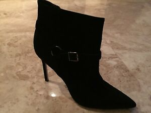 Manolo Blahnik Black Suede Pointed Toe  Ankle Boots with Buckles SZ 40.5