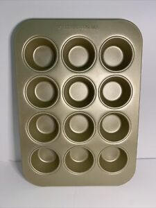 Williams Sonoma Gold Touch Pro Muffin Pan 12 Wells 16x11 Inch