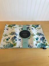 """New listing Cynthia Rowley~Floral~ Easy Care Placemats~ Set of 4~13""""x19"""" ~ Polyester~ 305-10"""