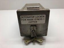 MILITARY VINTAGE DETONATOR LOCKER BOX