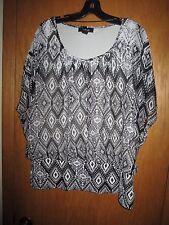 Style & Co Black, White, Tan Abstract SSvBlouse Top, Elastic Hem Sz 1X EUC