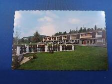MOTEL ALTITUDE POSTCARD PRINTED IN FRENCH ST ADELE QUEBEC CANADA OLD CARS POOL