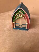 Vintage 1995 Teeny Weeny Families  Church Polly Pocket Retro